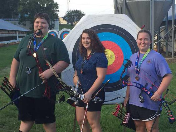 S-Archery team pic1