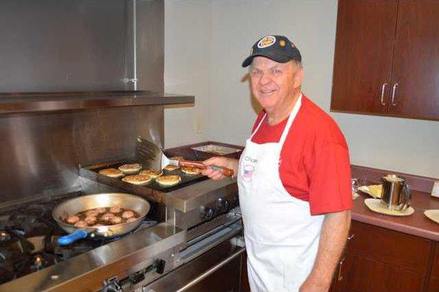 A-Veterans Pancake Breakfast pic1