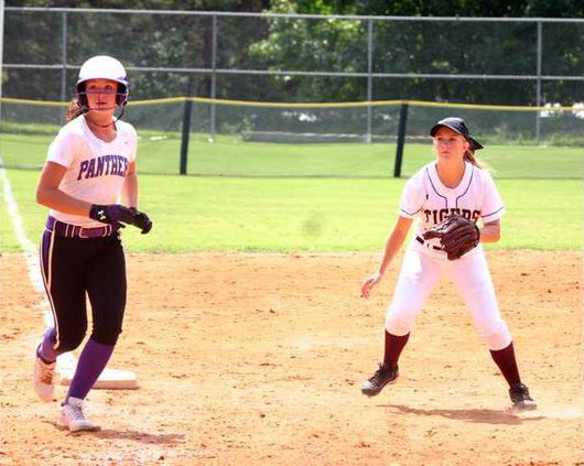 DCHS Varsity Softball pic11