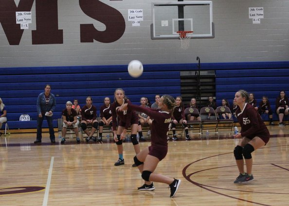 Middle school volleyball, 9.13.17