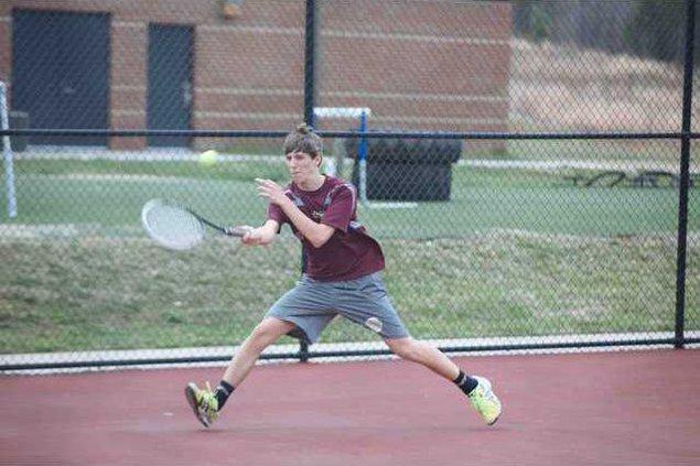 DCHS Tennis pic1