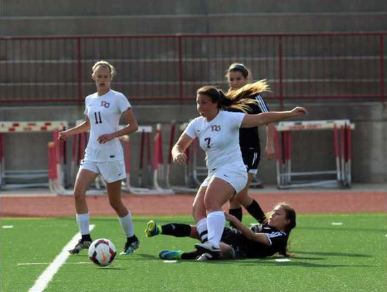 S-Varsity girls soccer pic 1
