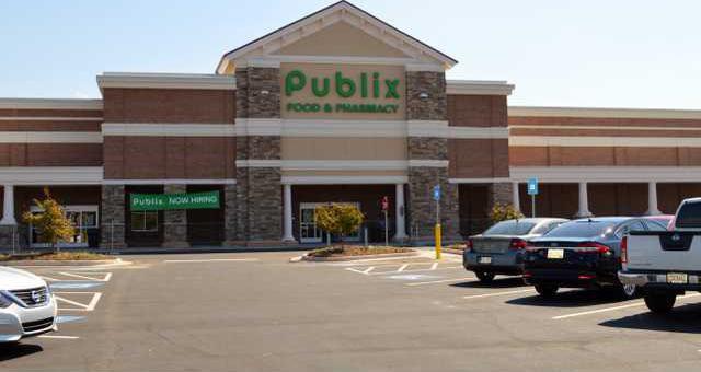 A-Publix Opens pic 1