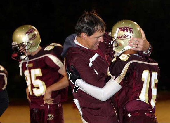 DCHS Fball pic 8