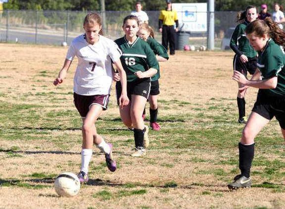 DCMS Girls Soccer pic