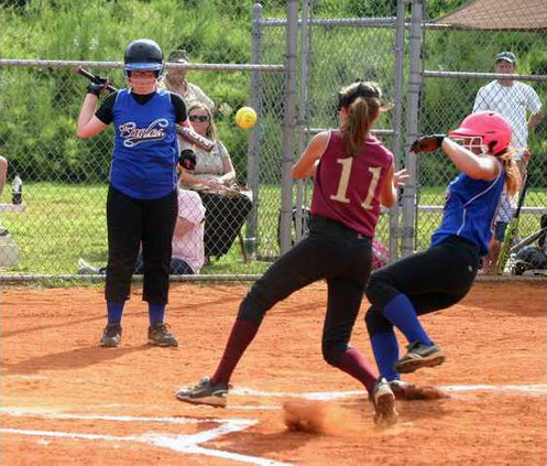 RMS v DCMS Softball pic