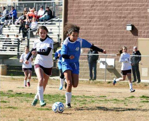 RMS v DCMS Girls Soccer pic