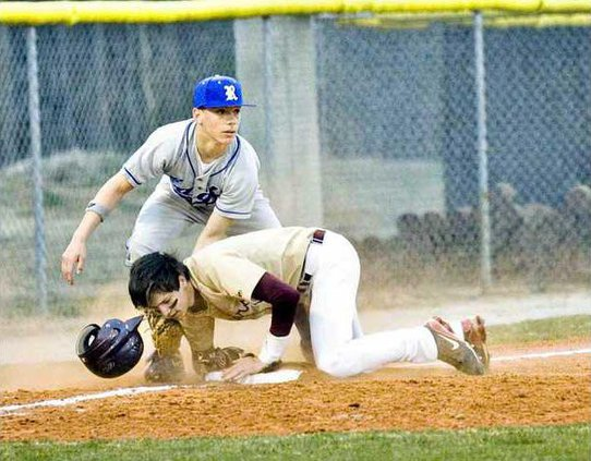 Varsity Baseball pic1