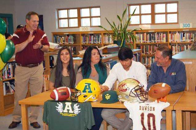 Zach Buchan signing pic