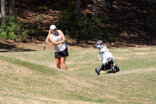 S-Girls Golf Pic 1.JPG
