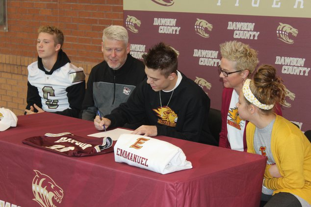 DCHS Signings